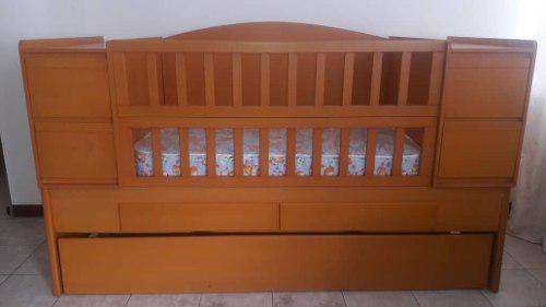Cama cuna de madera con colchón