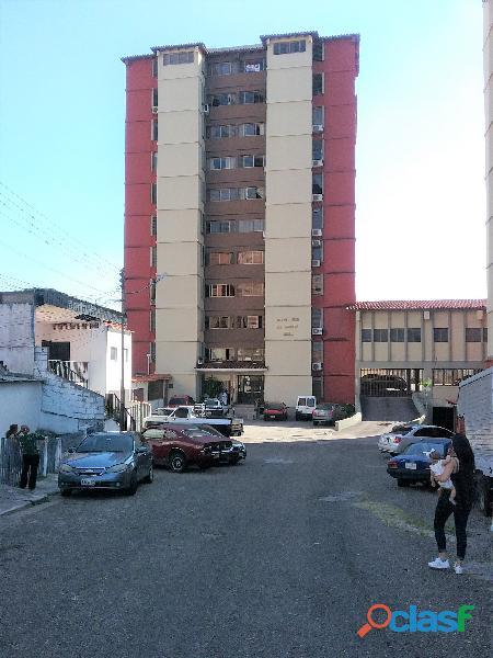 Apartamento tipo estudio, san cristobal, edif. los naranjos
