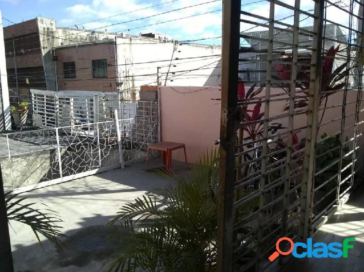 Se vende local barquisimeto rah: 20-6409