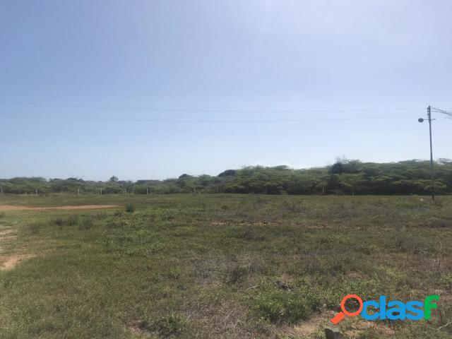 Se vende terreno adicora rah: 20-5761