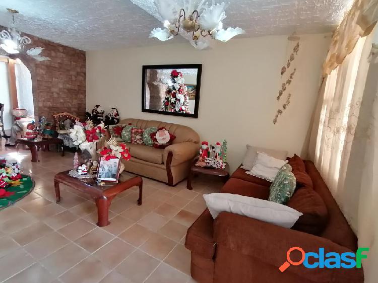 Se vende casa centro rah: 20-4963