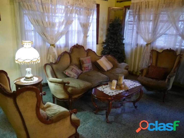 Se vende casa centro rah: 20-4044
