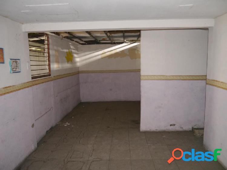 Se vende galpon industrial centro rah: 20-4080