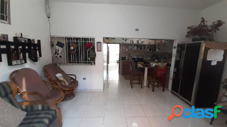 Se vende casa centro rah: 20-3895