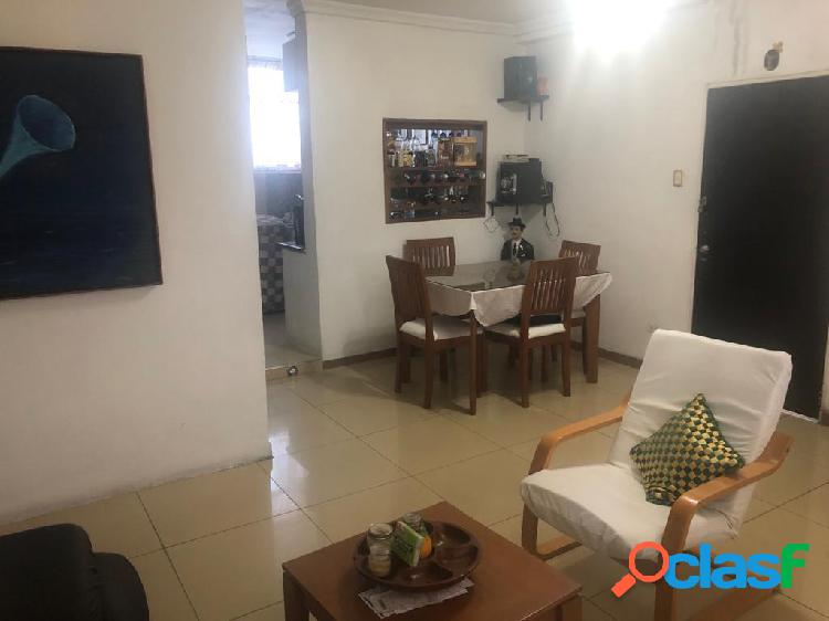 Se vende apartamento centro rah: 20-3161