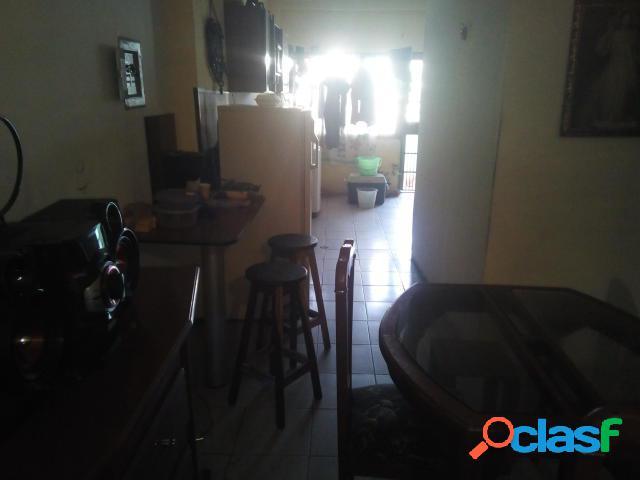 Se vende apartamento centro rah: 20-2570