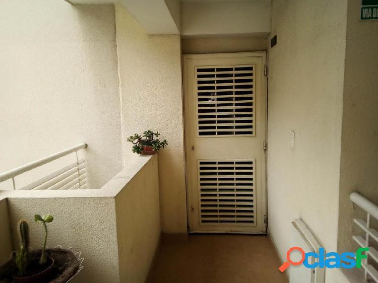 Se vende apartamento centro rah: 20-2572