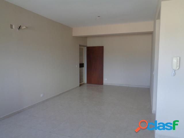Se vende apartamento centro rah: 20-1438