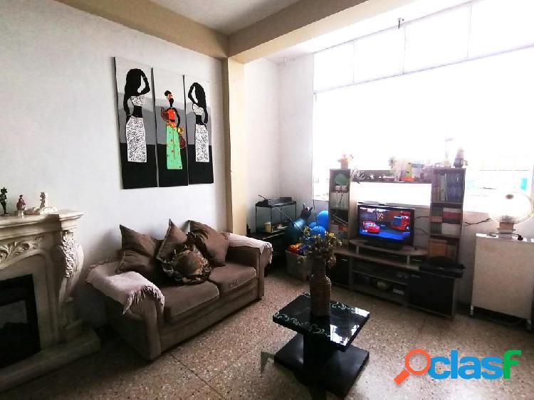 Se vende apartamento centro rah: 20-106