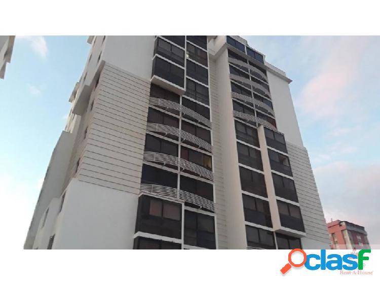 Alexander b vende apartamento en el centro de bqto