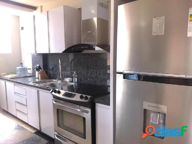 Se vende apartamento centro rah: 20-8410