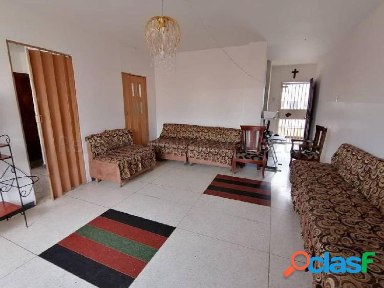 Se vende apartamento centro rah: 20-8644