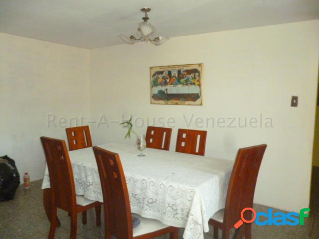 Se vende apartamento centro rah: 20-8384