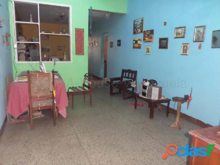 Se vende casa barquisimeto rah: 20-8032