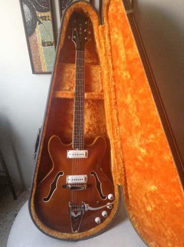 Guitarra eléctrica marca eko mod barracuda de 1967 italiana