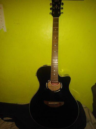 Guitarra yamaha apx 500