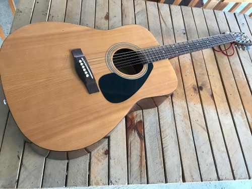 Guitarra yamaha f310