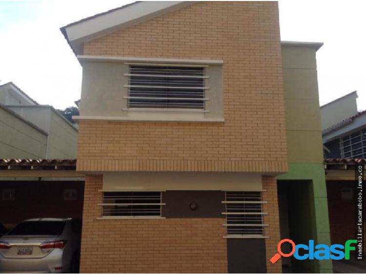 Townhouse Parral 20-873 4124393667 RS