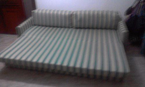 Sofa cama matimonial, perfecto estado con cojines