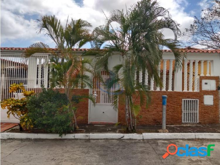 Casa villas country via charallave-cua