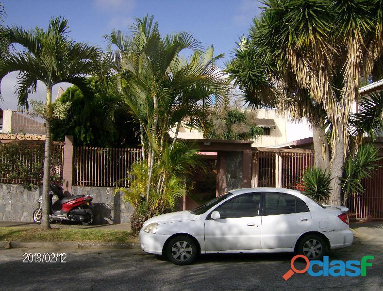 Alquiler habitacion matrimonial quinta lomas de la trinidad