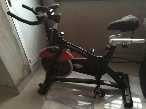 Bicicleta de spinning ejercicios