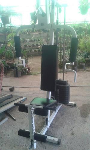 Máquina multifuerza gimnasio ejercicios