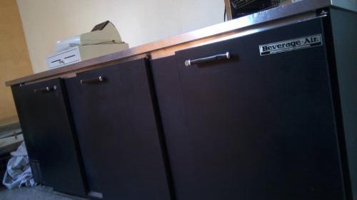 Refrigerador tipo bar marca beverage air 800 verdes