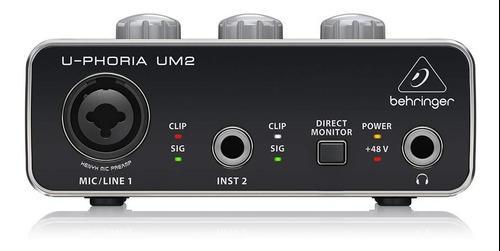 Interfaz de audio behringer u-phoria um-2