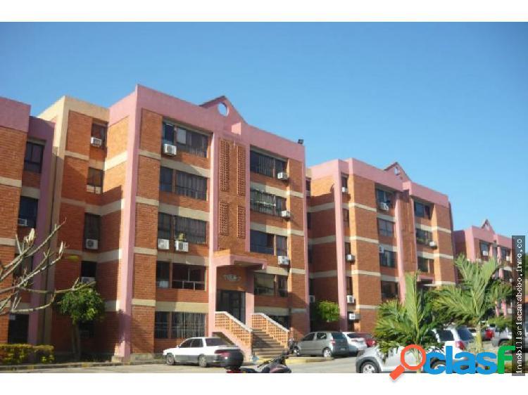 Vende comodo, fresco apartamento cod 20-3875 jel