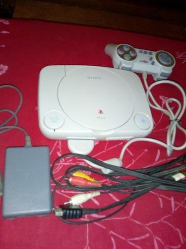 Playstation 1 con tres juegos originales incluidos