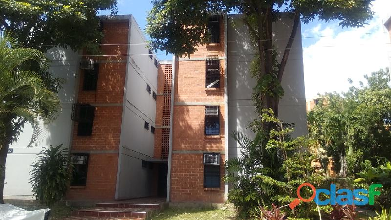 Sky group vende cómodo apartamento en conj. res. victoria plaza, naguanagua