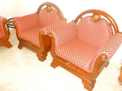 Juego de muebles en madera ceiba