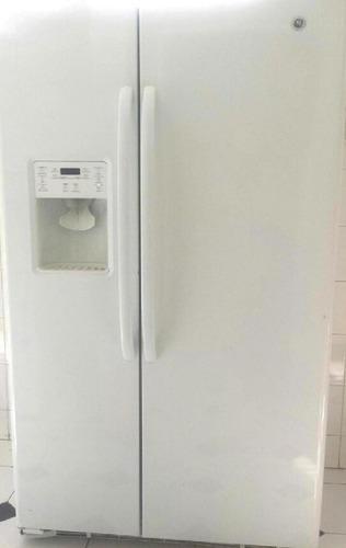 Nevera ge dispensador agua y hielo poco uso