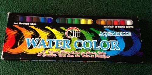 Set de colores de acuarela con paleta