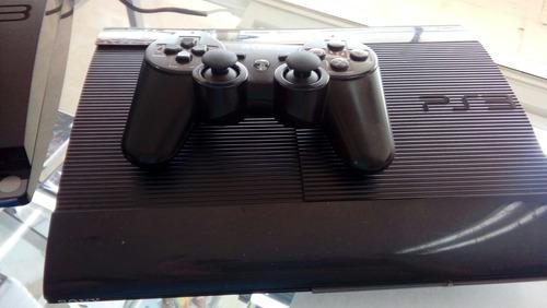 Vendo ps3 con sus dos controles, 4 juegos fisicos y 8 digita