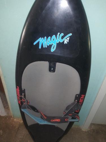 Tabla de surhf esperando por ti