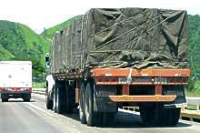 Alquiler de gandolas batea para traslados de cargas pesadas
