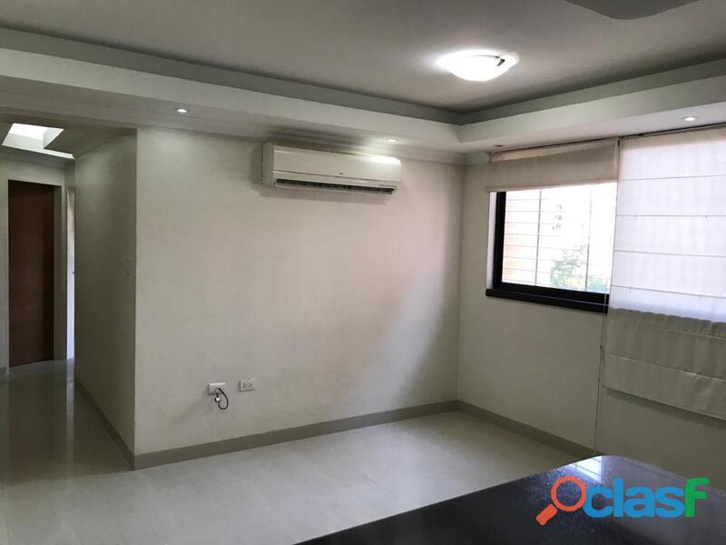 Apartamento en venta en res loma de los mangos 80mtrs2 cod. foa 962