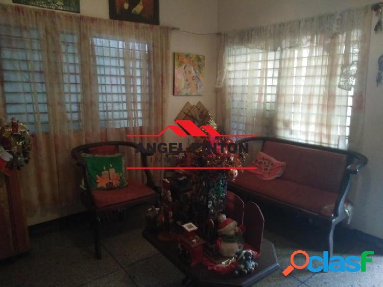 Casa venta av fuerzas armadas zona oeste de barquisimeto. api 4699