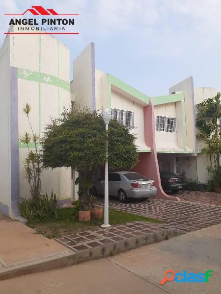 Casa en venta en isla dorada maracaibo api 5228