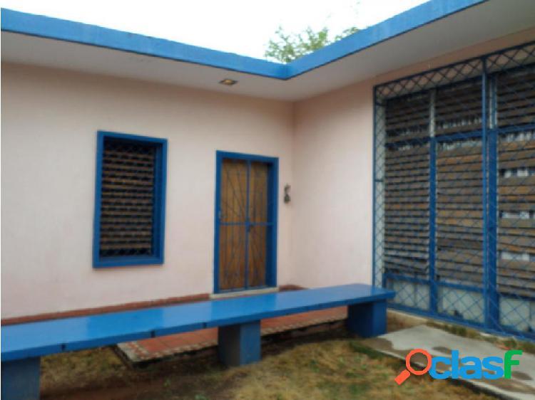 Casa en venta oeste barquisimeto 20-3416 ecm