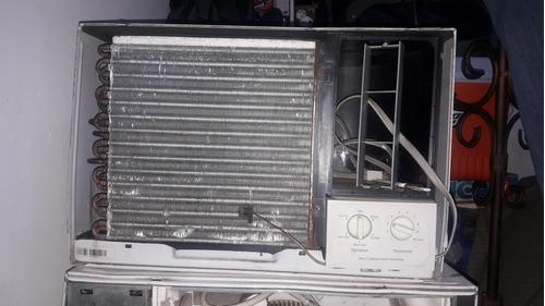 Aire acondicionado de 12btu 220watts, un tempano
