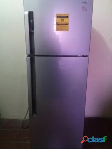 Nevera, refrigerador congelador capacidad 305 litros 11 pies