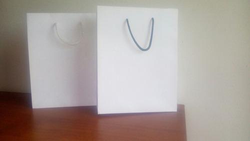 Bisuteria. bolsas papel bond