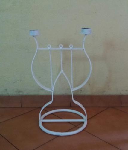 Candelabro de hierro blanco