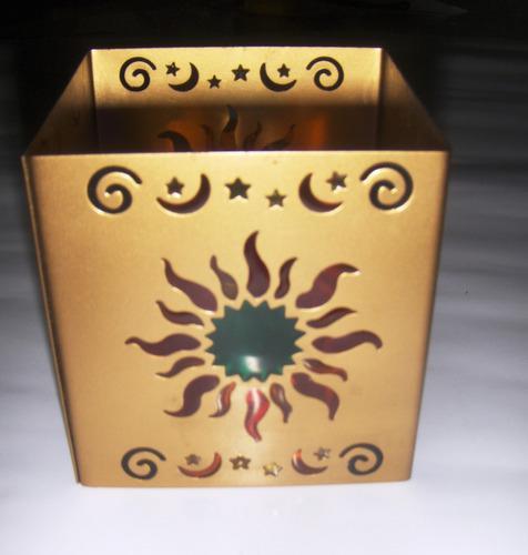 Candelabro porta velas decorativo de sol y lunas