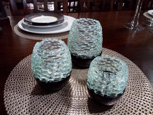 Juego de porta velas indú. madera y vidrio, original