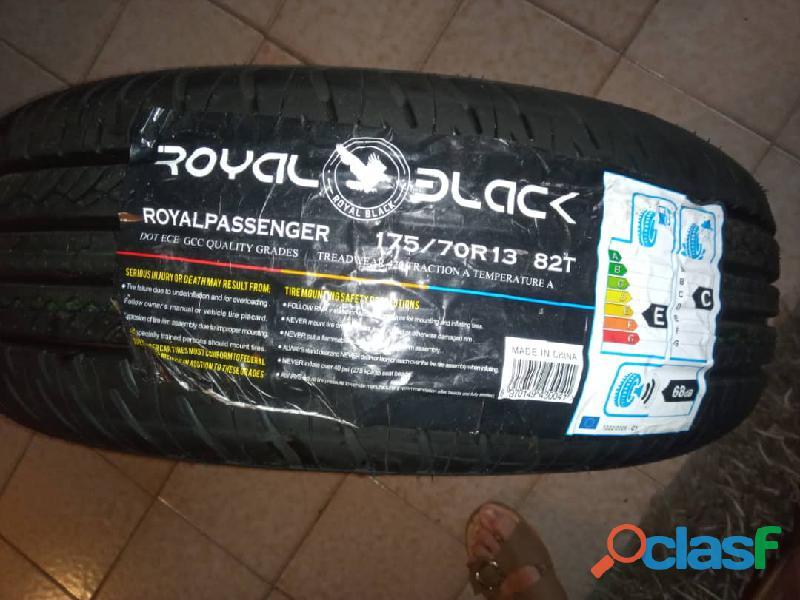 Cauchos 13/175 marca royal black