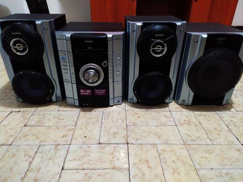 Equipo de sonido sony modelo rg55is (60v)